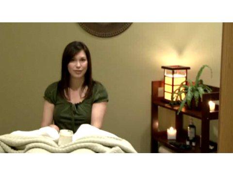 How to pick the best massage oils | massage techniques